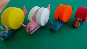 caracoles con tapones de plstico