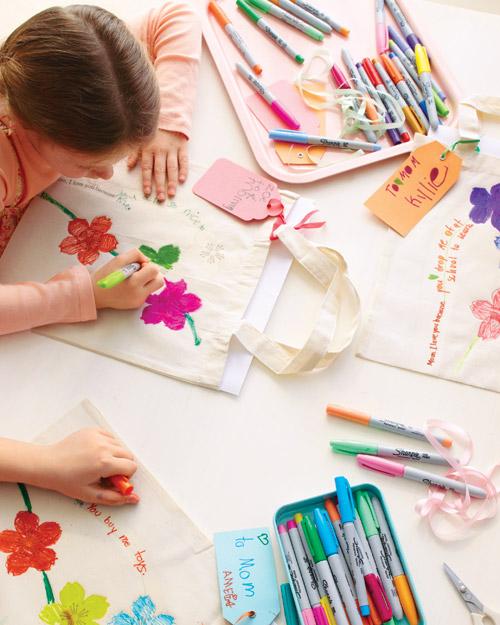 Pintar bolsas de ropa, manualidad infantil